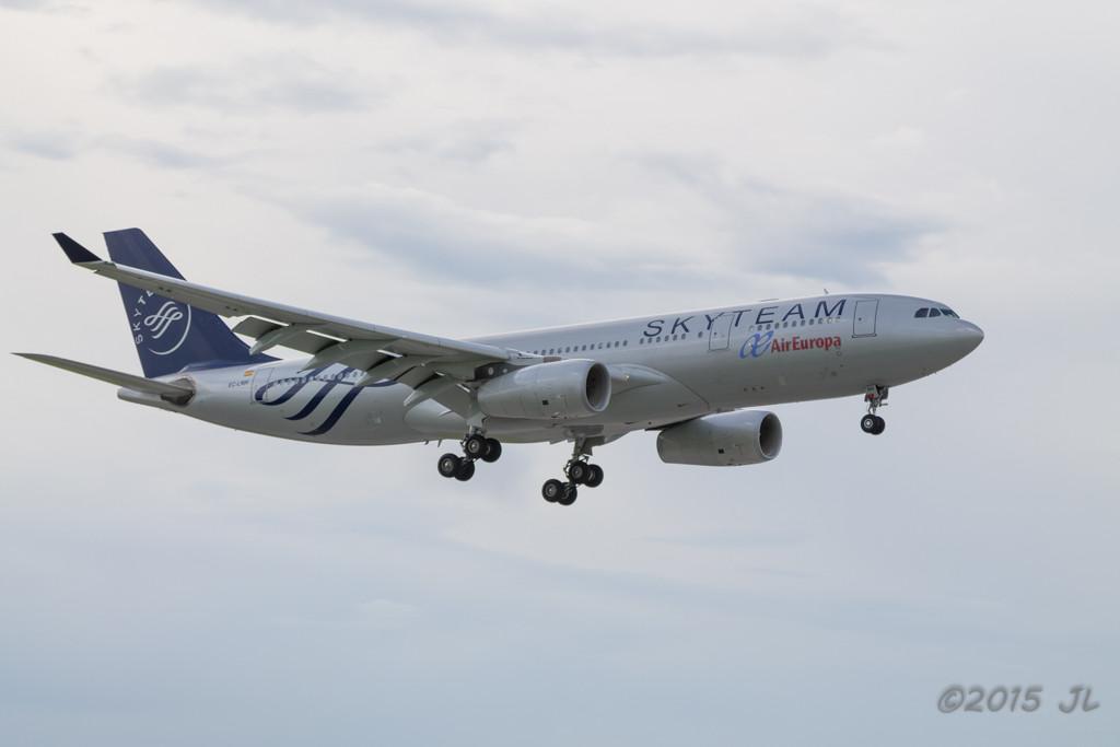 UX A330 EC-LNH
